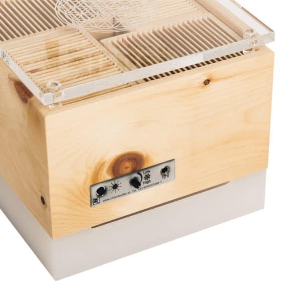 ZirbenLuefter-Cube-Salzburg-pure-cristall-Luftreiniger-Luftbefeuchter-Zirbe-Asthma-Lamellen5